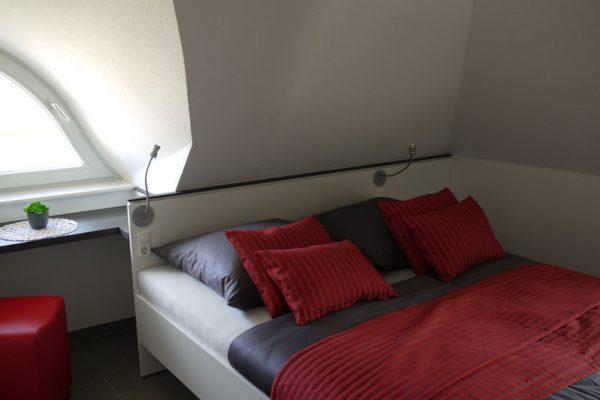 ferienhaus-glowe-ruegen-schlafzimmer-strandlaeufer-nest
