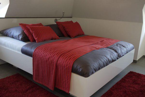 ferienhaus-glowe-ruegen-strandlaeufer-nest-schlafzimmer-bett