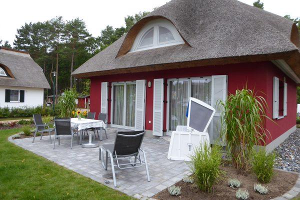 terrasse-ferienhaus-glowe-ruegen-strandlaeufer-nest